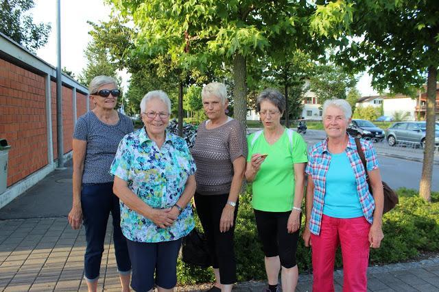 Jüngere frauen suchen ältere männer frei